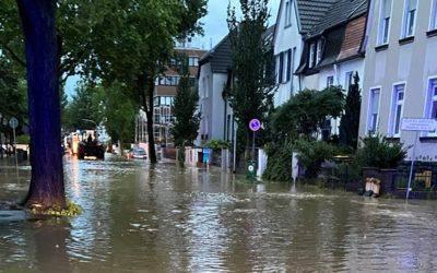 Geldspende für Hochwasseropfer